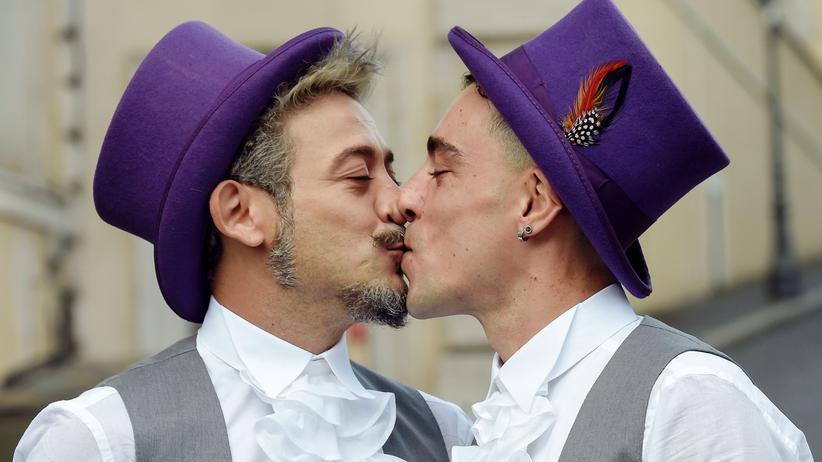 Gleichgeschlechtliche Partnerschaften: Bald auch in Deutschland möglich: die Hochzeit von zwei Männern