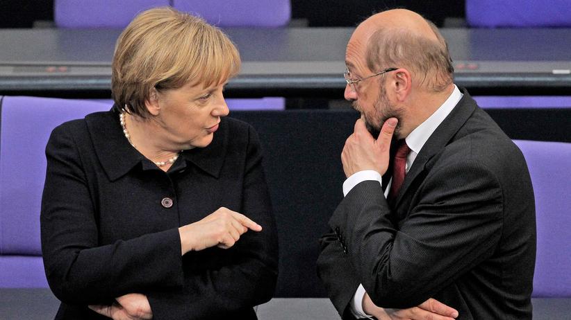 Bundestagswahlkampf: Die Konkurrenten: Angela Merkel und Martin Schulz während der Wahl des Bundespräsidenten