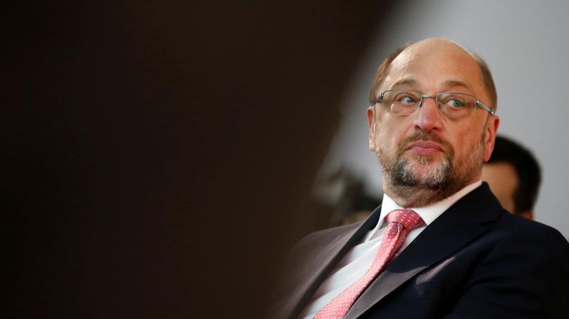 Wahl: Schulz kritisiert Merkels Rentenpolitik