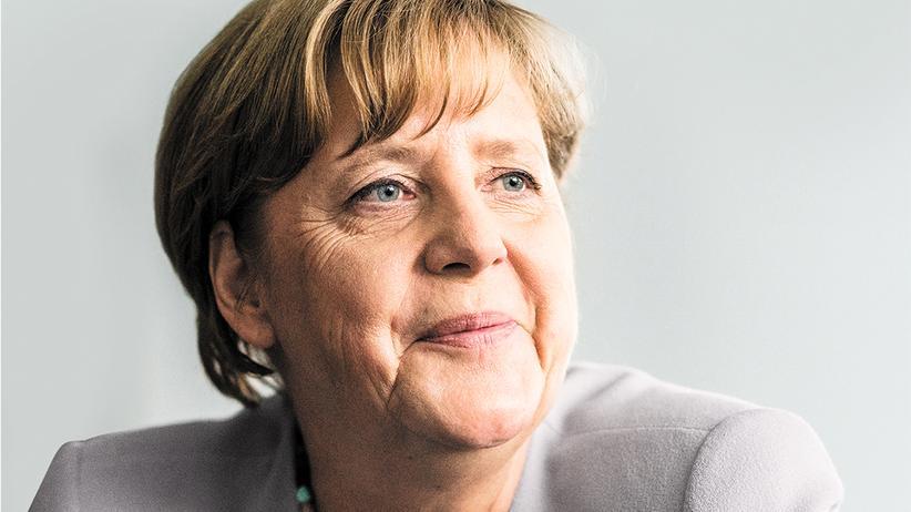 G20-Gipfel: Angela Merkel in ihrem Büro im Kanzleramt