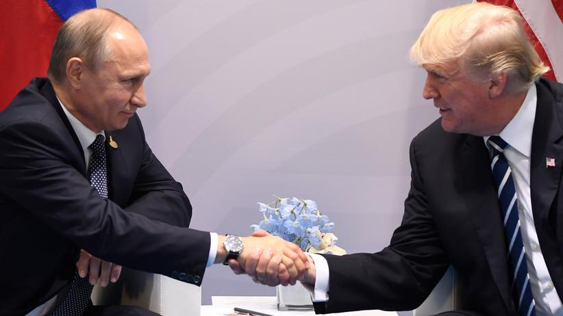 Donald Trump und Wladimir Putin: Flirt am Rande des Gipfels