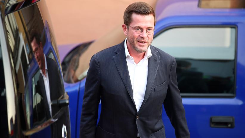 Karl-Theodor zu Guttenberg: Der frühere Verteidigungsminister Karl-Theodor zu Guttenberg kommt zu einem Wahlkampfauftritt in Bayern.
