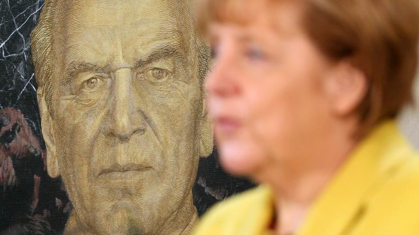 """Angela Merkel: """"Was Herr Schröder macht, ist nicht in Ordnung"""""""