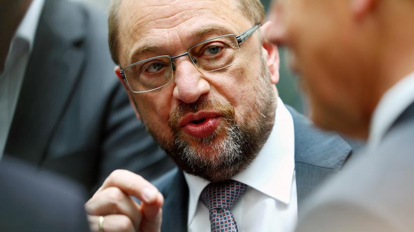 Dieselskandal: Kanzlerkandidat Martin Schulz nach einer Pressekonferenz in Berlin