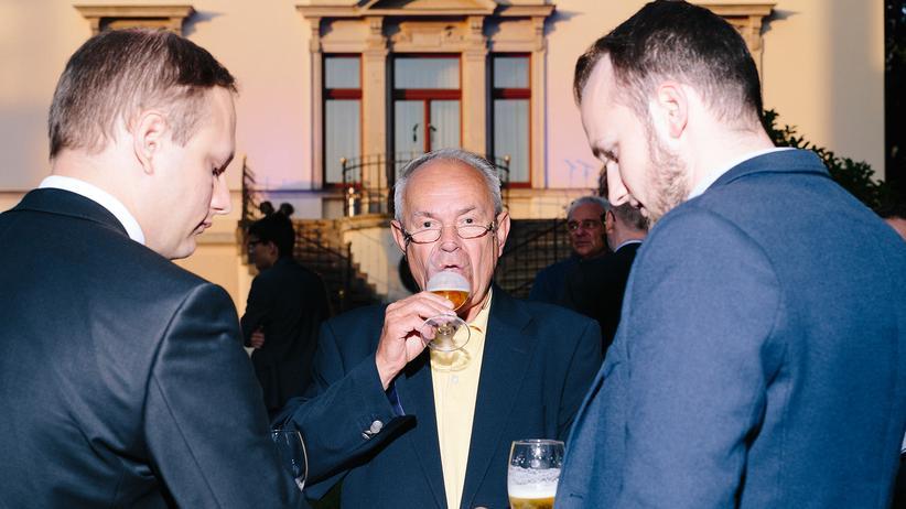 Bundestagswahl: Sommerfest 2017 der FDP in Leipzig: Diese Männer wissen vermutlich nicht nur, wen sie nicht wählen sondern auch wen sie wählen.