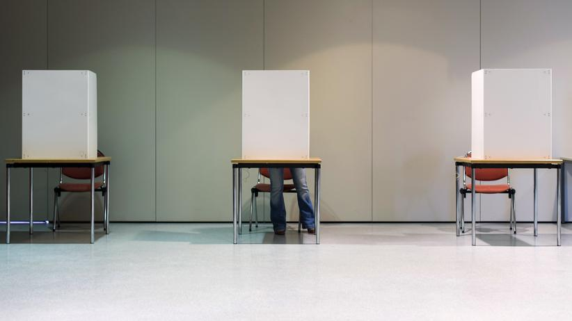 Bundestagswahl gehackt: Abgestimmt wird auf Papier. Aber danach gibt es ein Problem.