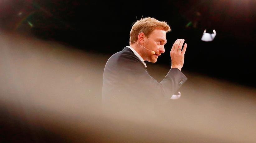 FDP-Parteitag : Christian Lindner schwört die FDP beim Sonderparteitag noch einmal auf die Bundestagswahl ein.