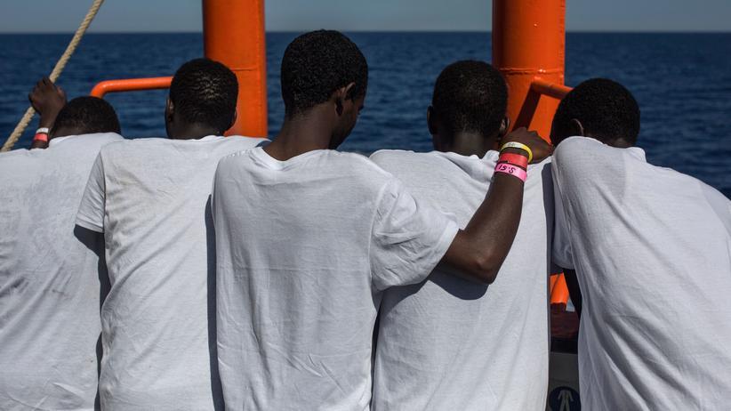 Flüchtlingspolitik: 30.000 Flüchtlinge mehr wären ein kluger Schritt