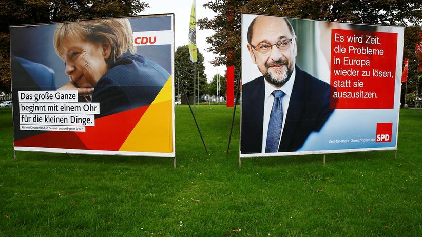 Bundestagswahl: Auf den Wahlplakaten stehen sie einträchtig nebeneinander – nach dem Willen der meisten Wähler aber auch nur dort: die Kanzlerkandidaten Angela Merkel und Martin Schulz.