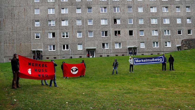 Wahlkampf 2017: Anti-Merkel-Demonstranten in Strasburg