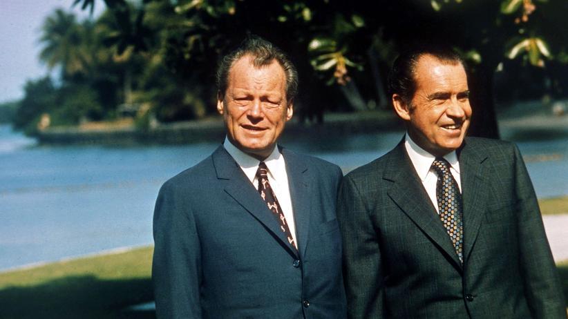 Wahlentscheidung: Der damalige Bundeskanzler Willy Brandt und der damalige US-Präsident Richard Nixon in Key Biscaine, Florida am 27. Dezember 1971