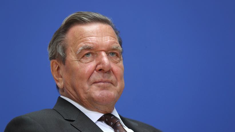 Regierungsbildung: Gerhard Schröder sitzt heute im Aufsichtsrat des Kreml-Konzerns Rosneft.