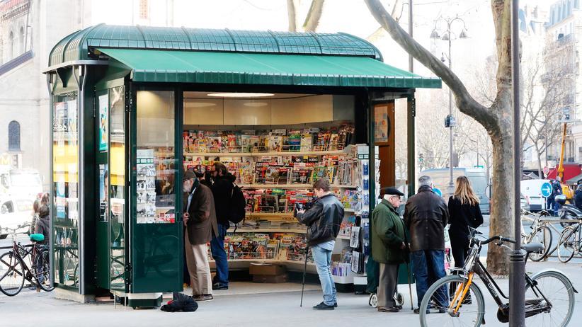 Internationale Presseschau: Zeitungskiosk in Paris