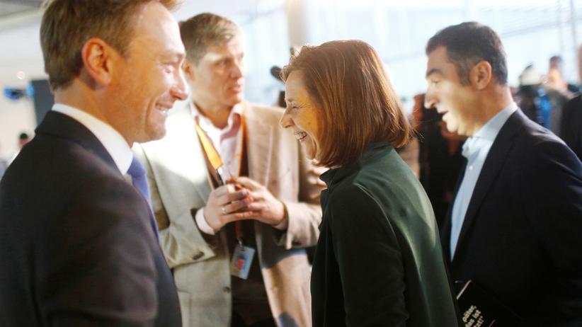 Jamaika-Verhandlungen: Der FDP-Vorsitzende Christian Lindner (links) mit den Grünenchefs Katrin Göring-Eckardt und Cem Özdemir (rechts)