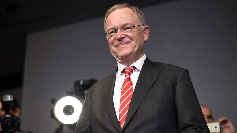 Niedersachsen: Stephan Weil als Ministerpräsident wiedergewählt