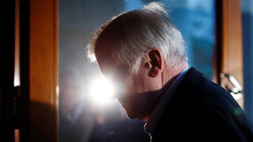 CSU-Parteispitze: Seehofers halber Abgang