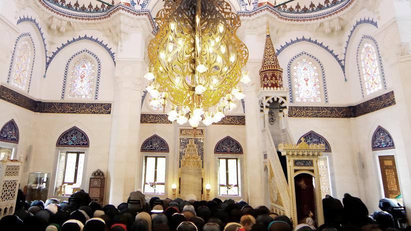 Islamverband Ditib: Betende in einer Ditib-Moschee in Berlin