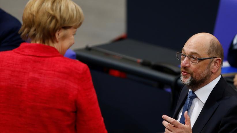 Regierungsverhandlungen: Eine offene politische Partnerschaft? Kanzlerin Angela Merkel und SPD-Chef Martin Schulz Ende November im Bundestag