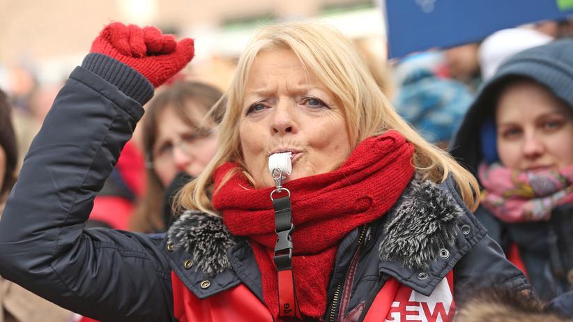 Bundesverfassungsgericht: Sollten Beamte streiken dürfen?