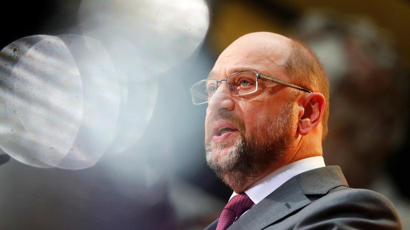 SPD: Martin Schulz will seine Parteibasis von einer neuen großen Koalition überzeugen.