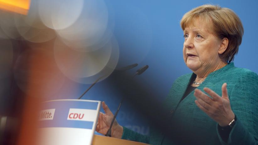 CDU: Bundeskanzlerin und CDU-Chefin Angela Merkel bei der Vorstellung der Kabinettskandidatinnen und -kandidaten ihrer Partei in Berlin