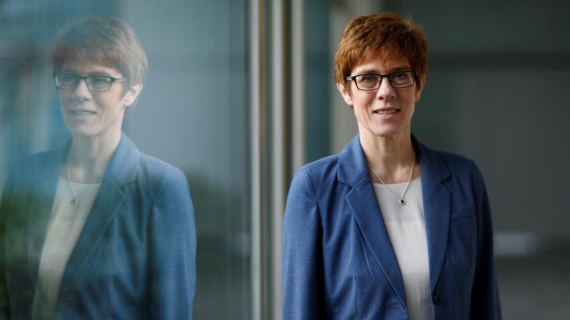 Merkel-Nachfolge: Annegret Kramp-Karrenbauer