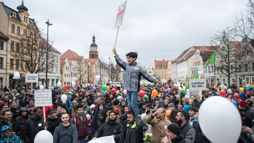 Cottbus: Sie alle wollen Cottbus retten
