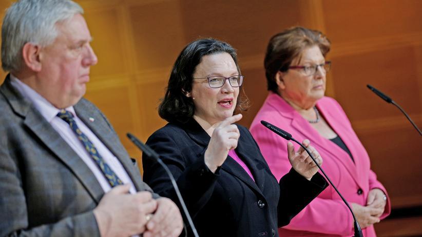 Koalitionsverhandlungen: Die Unterhändler der drei Parteien – Andrea Nahles (SPD), Karl-Josef Laumann (CDU) und CSU-Vizechefin Barbara Stamm – im Willy-Brandt-Haus in Berlin