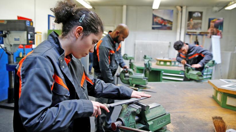 Koalitionsvertrag: Der Weg auf den deutschen Arbeitsmarkt ist für Migranten sehr schwierig.