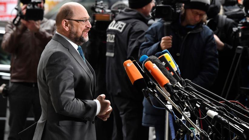 SPD: SPD-Chef Martin Schulz vor dem Willy-Brandt-Haus in Berlin