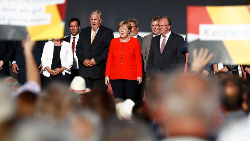 Nationalhymne: Es bleibt beim Vaterland
