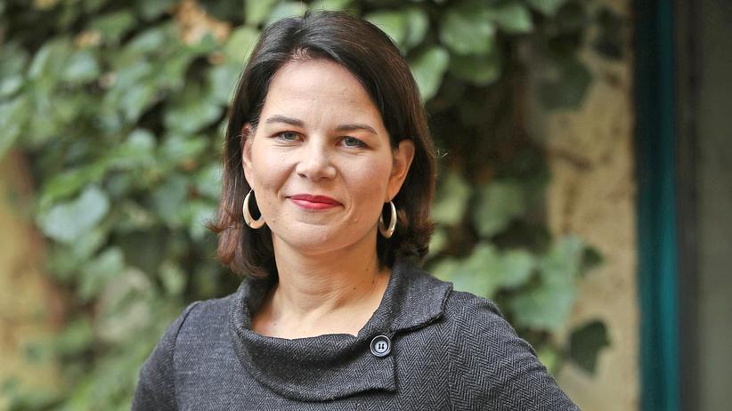 Die Grünen: Annalena Baerbock, 37, ist seit Januar Vorsitzende der Grünen und seit 2013 Mitglied des deutschen Bundestags. Die Politikwissenschaftlerin hat zwei Kinder und lebt in Potsdam.