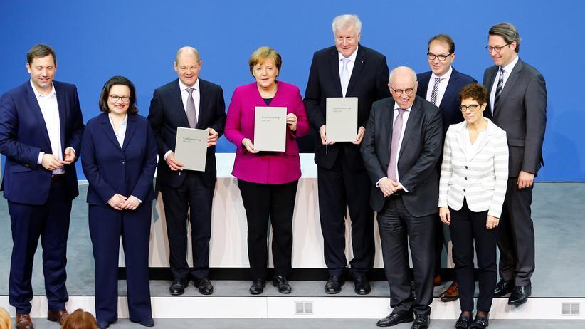 Große Koalition: Union und SPD unterschreiben Koalitionsvertrag
