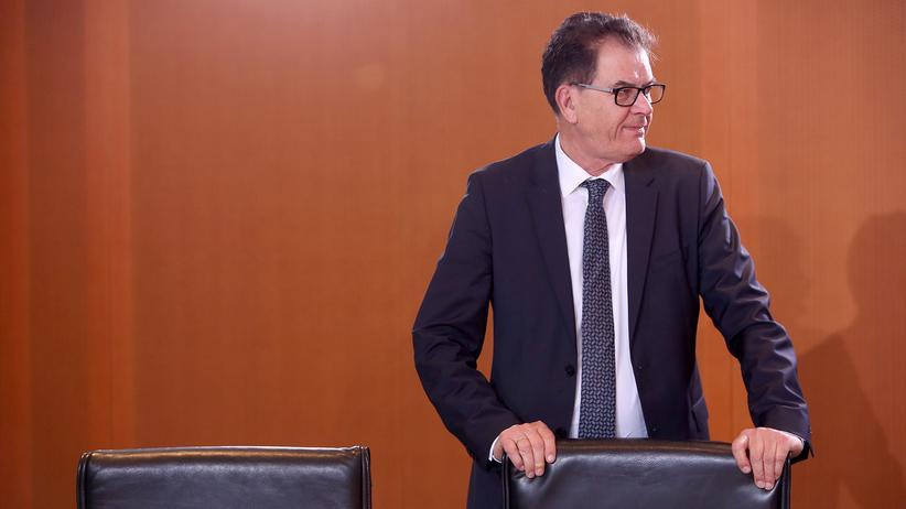 Gerd Müller: Entwicklungsminister Gerd Müller bei einem Kabinettstreffen in Berlin