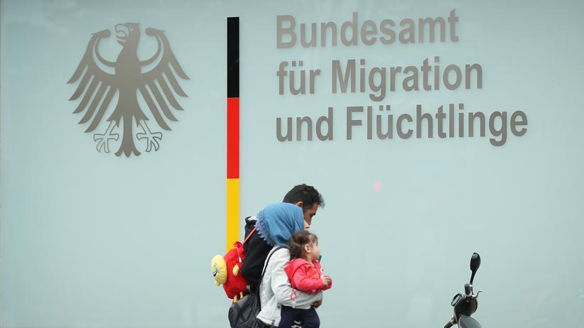Bamf-Außenstelle Bremen: Wirtschaftsprüfer untersucht Verbleib von Bamf-Millionen