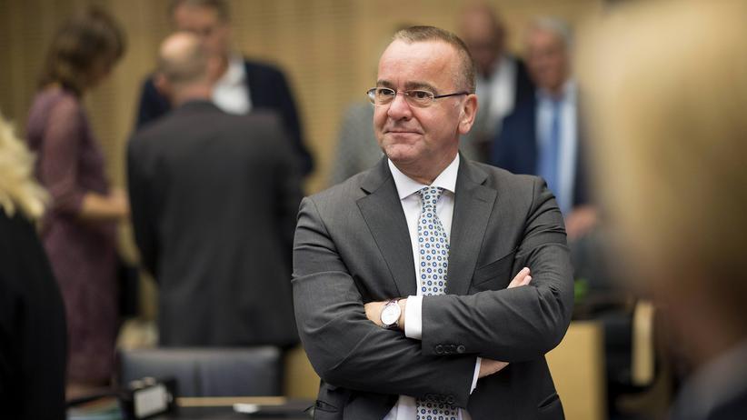 """Boris Pistorius: """"Eine Show-Veranstaltung mit Blick auf die Landtagswahl"""""""