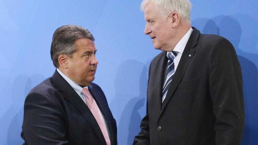 Heimatministerium: Gabriel, damals noch Bundeswirtschaftsminister, zusammen mit Seehofer, damals noch bayerischer Ministerpräsident, 2016 in Berlin