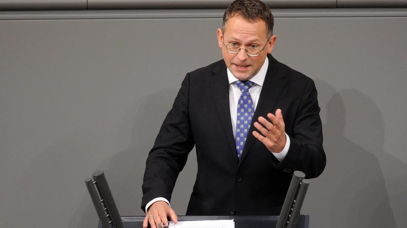 Bundestag: Hitler-Filme und braune Seilschaften
