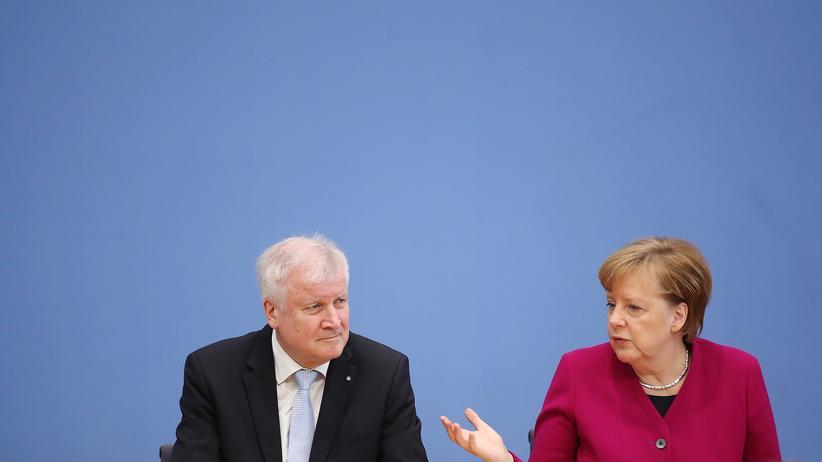 Bundeskanzlerin: Die Bundeskanzlerin und ihr Innenminister in einer Aufnahme vom März