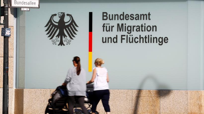 Asylpolitik: Bamf bekommt 1.650 weitere Mitarbeiter