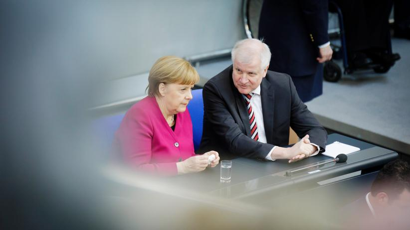 Migrationspolitik: Angela Merkel und Horst Seehofer
