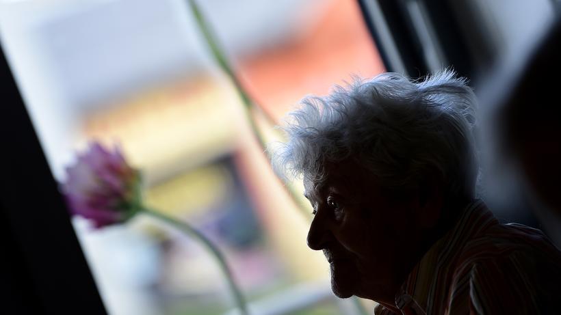 Konzertierte Aktion Pflege Regierung Will Mehr Menschen Für Den