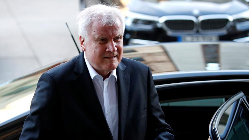 """Asylpolitik: SPD kritisiert Präsentation von Horst Seehofers """"Masterplan"""""""