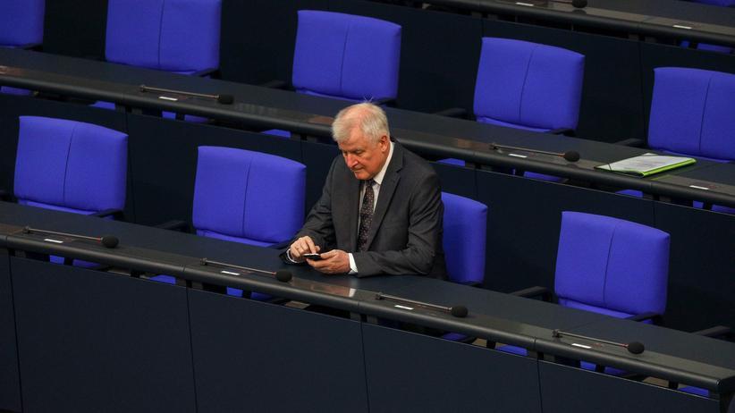 Asylstreit: Bundesinnenminister Horst Seehofer im Bundestag