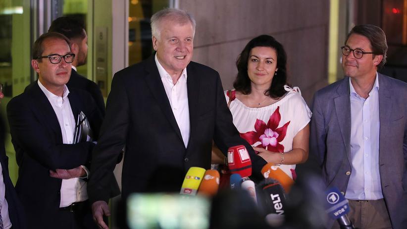 Unionsstreit: Nach dem Treffen von CDU und CSU verkündete Bundesinnenminister Horst Seehofer am Montagabend die Asyl-Einigung.