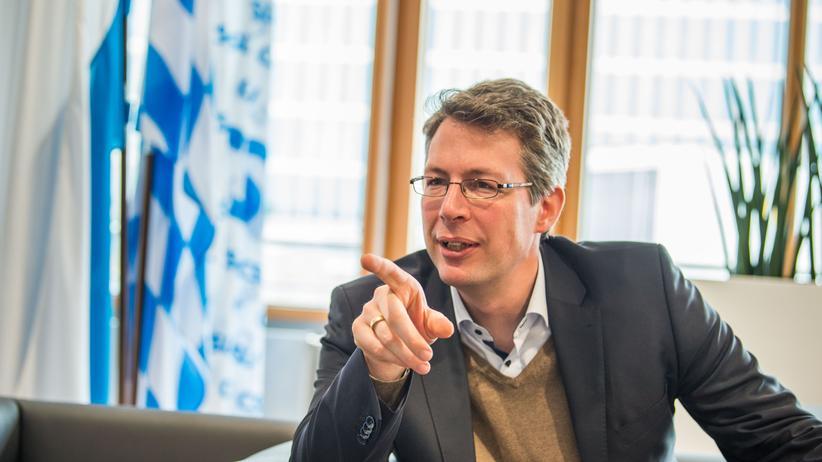 """""""Union der Mitte"""": CSU-Generalsekretär Markus Blume steht vor einem Streit um die innerparteiliche Demokratie."""