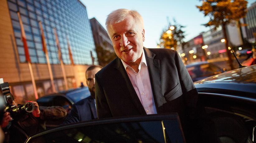 Einigung im Asylstreit: Horst Seehofer bleibt Innenminister.