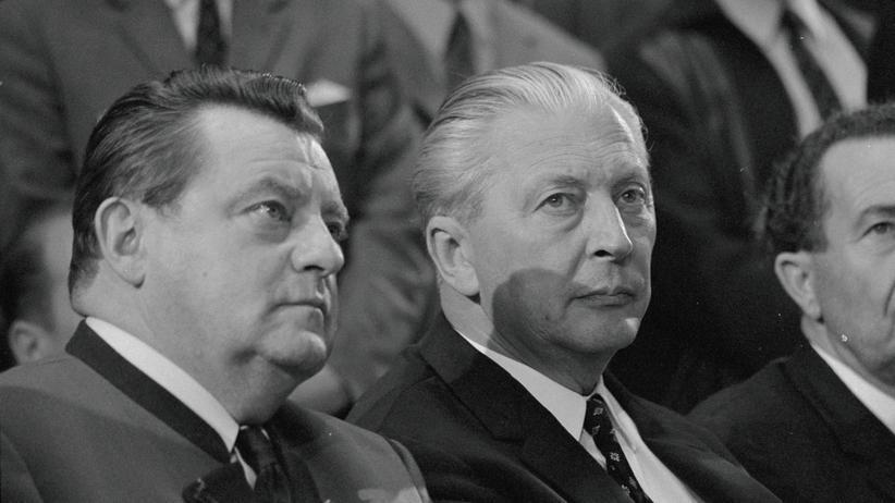 CDU/CSU: Der damalige Bundeskanzler Kurt Georg Kiesinger (rechts) von der CDU mit Bundesfinanzminister und CSU-Chef Franz Josef Strauß
