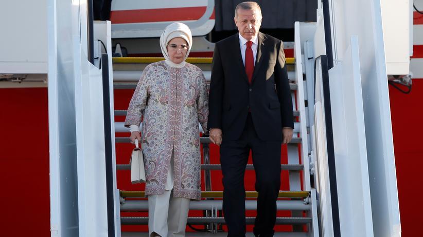 Staatsbesuch: Der türkische Staatspräsident Recep Tayyip Erdoğan mit seiner Frau Emine. Im Juli 2017 waren die beiden beim G20-Gipfel in Hamburg. Ein Jahr später, im September, wird Erdoğan in Berlin erwartet.
