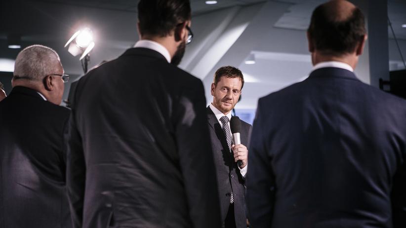 Ausschreitungen in Chemnitz: Sachsens Ministerpräsident Michael Kretschmer bei der Eröffnung des Bürgerdialogs in Chemnitz